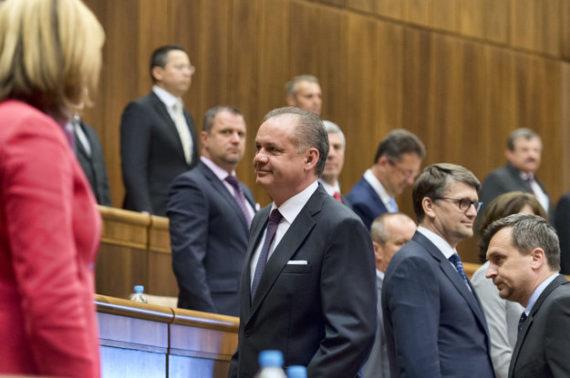 Online: Kiska vystúpil so správou o stave republiky - domov.sme.sk 1