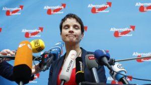 Frauke Petryová vystúpila z Alternatívy pre Nemecko. 1