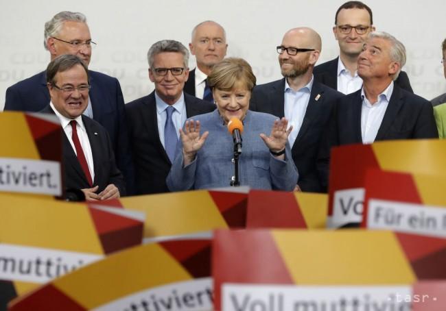 Tretina Nemcov podporuje predčasný odchod Merkelovej z funkcie. 1
