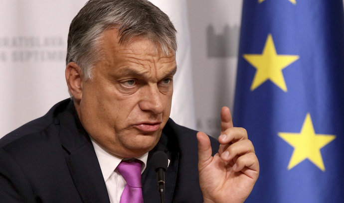 """""""Soros si kúpil ľudí, kúpil si organizácie, ktoré mu zobú z ruky, a pod jeho vplyvom je aj Brusel,"""" vyhlásil Orbán. – Slobodný Výber 1"""