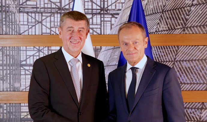 Donald Tusk podkopáva európsku politiku! Merkelová je rozčarovaná a včerajší deň summitu EÚ skončil fiaskom. – Slobodný Výber 1