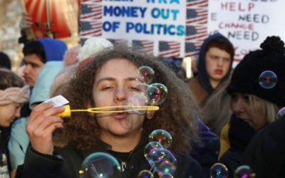 V USA sa pochoduje proti násiliu páchanému strelnými zbraňami.