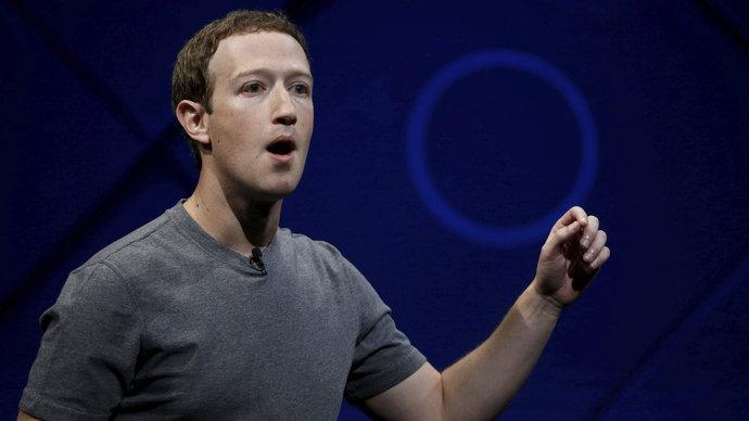 Obří skandál Facebooku s daty 50 milionů lidí neutichá. Může skončit vyšetřováním i výpovědí Zuckerberga v Kongresu.