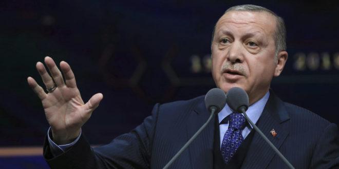 Erdogan: Turecko rozšíri vojenské operácie v Sýrii, možno zasiahne aj v Iraku.