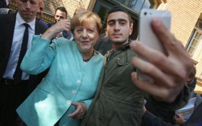 Merkelová Seehoferovi: Aj islam patrí do Nemecka.