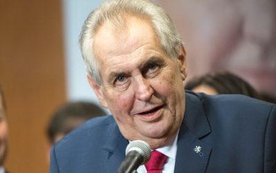 Podľa Miloša Zemana na Slovensku prebehol pokus o ďalšiu farebnú revolúciu.