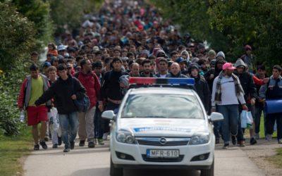 Viedeň zavádza najtvrdšie opatrenia v EÚ proti azylantom v Rakúsku. Musia odovzdať mobil a zaplatiť úradom stovky eur.