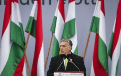 Orbán: Organizovanie ilegálnej migrácie bude Maďarsko trestať.