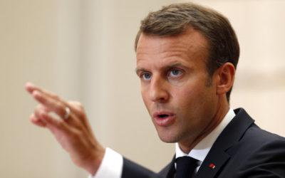 Macron je za sankcie voči krajinám, ktoré odmietajú azylantov.