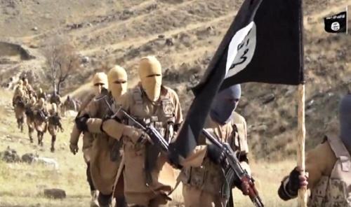 USA s Daešem proti afghánskému míru