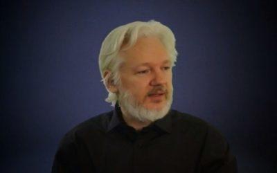 Assange: Generácia, ktorá prichádza na svet teraz, je posledná slobodná.