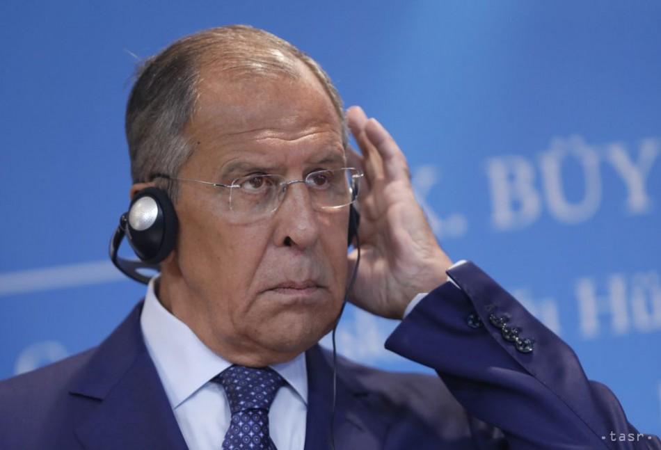 S. Lavrov kritizoval zablokovanie účtov televízie RT na Facebooku. 1