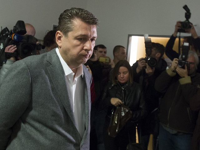 Odsúdený podnikateľ Ladislav Bašternák zatiaľ vo väzení nie je. Do mesiaca sa tam však musí dostaviť. Neujde? 1
