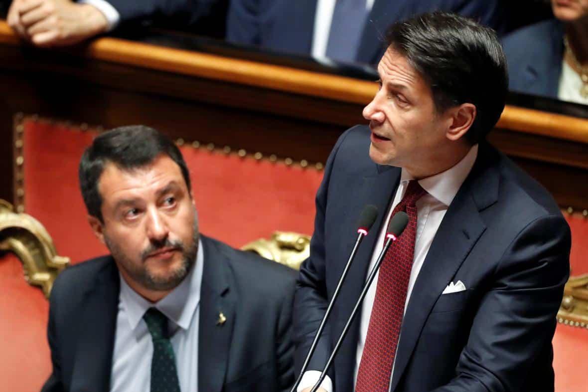 Italský premiér oznámil rezignaci. Zemi čekají složitá jednání o nové koalici nebo předčasné volby. 1