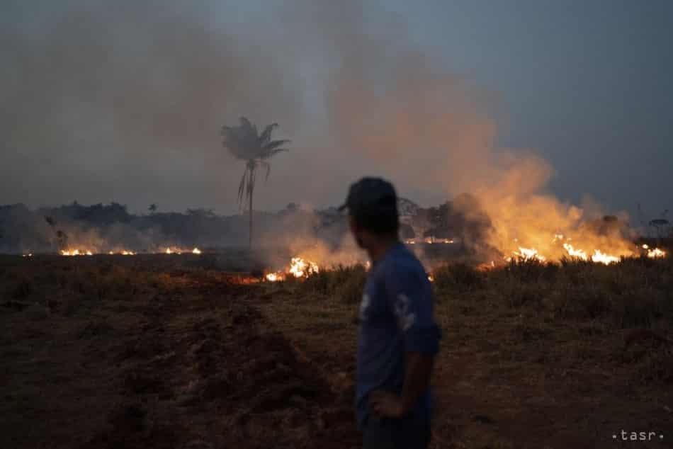 Experti: Dážď neuhasí požiare v amazonskom pralese celé týždne. 1