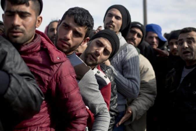Švédsko láka cudzincov na sociálne benefity, noví azylanti to oplácajú zamestnanosťou na úrovni 10%. 1