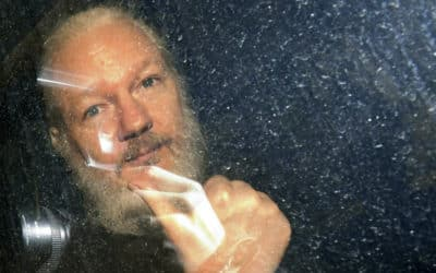 Lekári tvrdia, že Assange urgentne potrebuje zdravotnú starostlivosť.