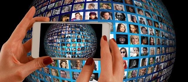 Odborári všetkých krajín spojte sa: Sú virtuálne odbory šancou byť reálnou opozíciou neokoloniálnemu kartelu globálnych korporácií? 1