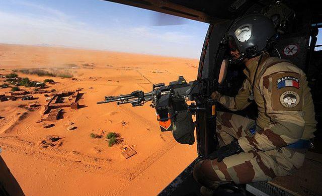 Francie naléhá na Evropu, aby vSahelu pomohla vboji proti Islámskému státu. 1