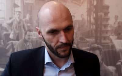"""Truban: """"Protesty neorganizujeme. Snažíme sa tam správať slušne, ale treba ukázať, že takto to na Slovensku nemôže fungovať. Naozaj to robia občania a my ich v tom podporujeme."""""""
