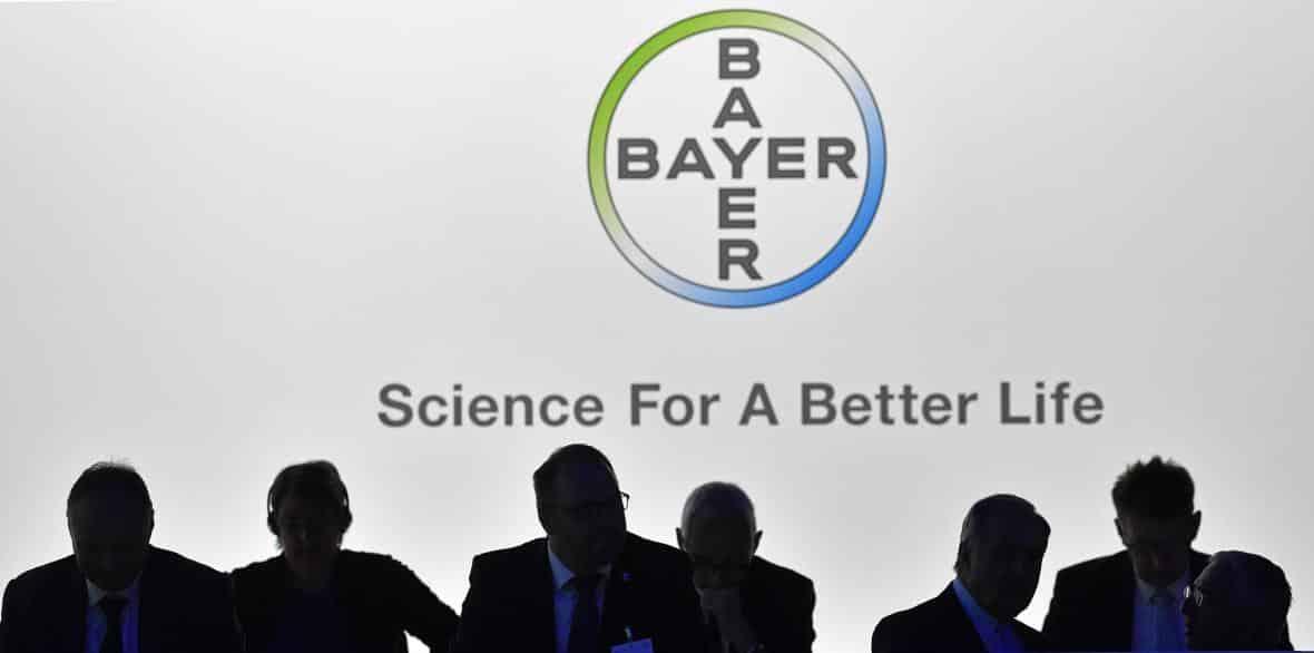 Bayer zaplatí jedenáct miliard dolarů za urovnání sporů kvůli přípravku Roundup. 1