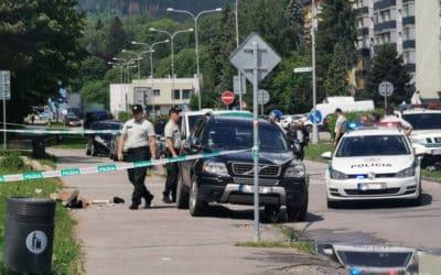 DVAJA MŔTVI A 5 ZRANENÝCH VO VRÚTKACH: Na ZŠ zasahujú policajti