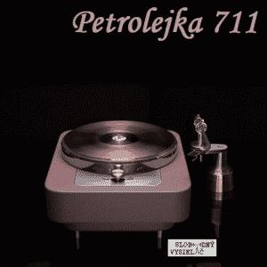 Petrolejka 711