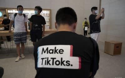 Senát hlasoval za zákaz aplikácie TikTok v telefónoch vlády.