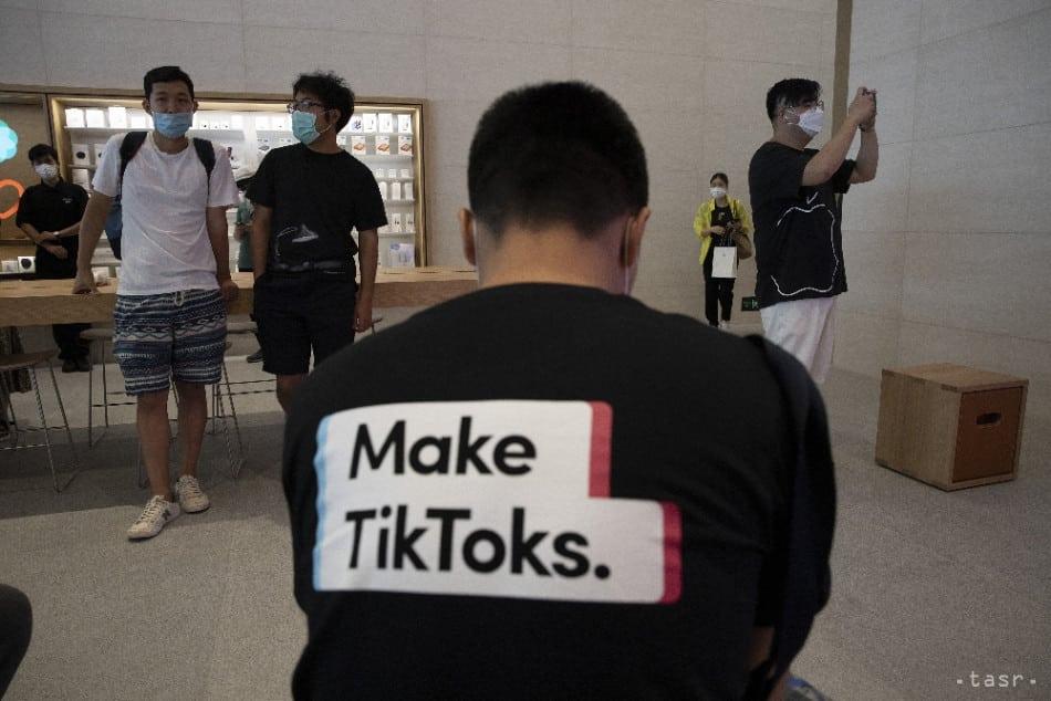 Senát hlasoval za zákaz aplikácie TikTok v telefónoch vlády. 1
