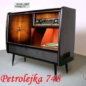 Petrolejka 748