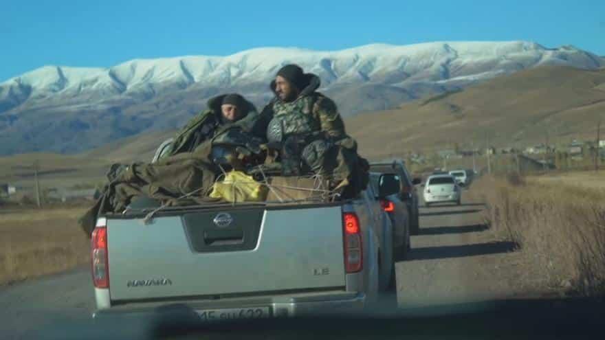 Arméni prchají z Náhorního Karabachu. Za příměří požadují demisi vlády. 1