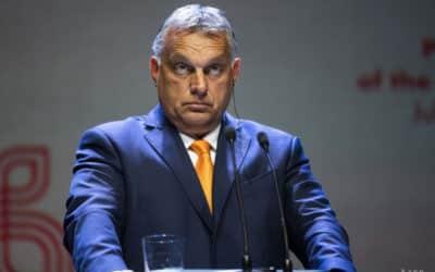 Orbán Brusel viaže otázku právneho štátu k prisťahovalectvu.