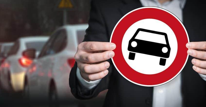 Briti do roku 2030 zakážu predaj nových benzínových a dieselových automobilov. 1