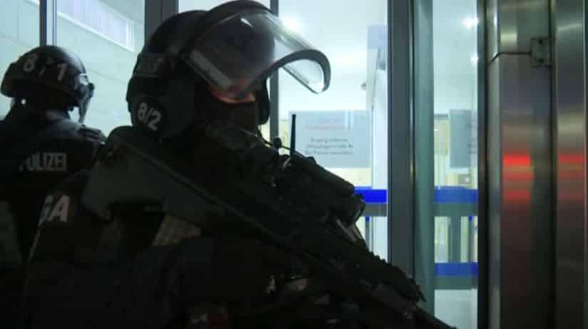 Terorizmus alebo amok. Po streľbe vo Viedni sú mŕtvi a zranení. 1