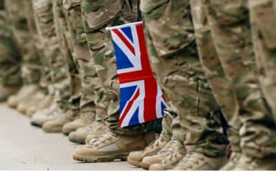 Johnson ohlási rekordné navýšenie rozpočtu pre oblasť obrany.