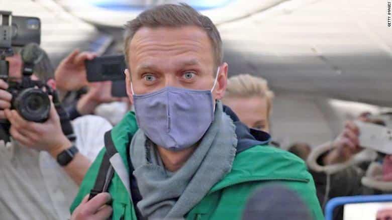 Holá fakta o Navalném. 1
