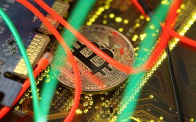 Bitcoin překonal hranici 30 tisíc dolarů. Za rok se cena kryptoměny znásobila čtyřikrát.