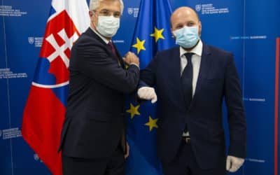 A tento škandál ste si všimli? Bezpečnostná a Obranná stratégia SR urobila zo Slovenska krajinu euroatlantických šovinistov a xenofóbov.