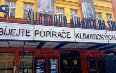Zabíjejte popírače klimatických změn, visí na divadle. Za 50 milionů. A je to sranda…