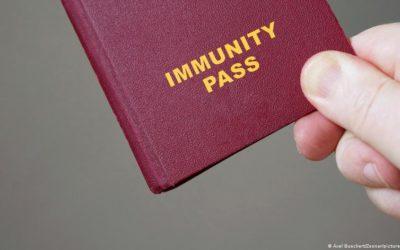 Členské štáty Únie vyzývajú na zavedenie očkovacích preukazov.