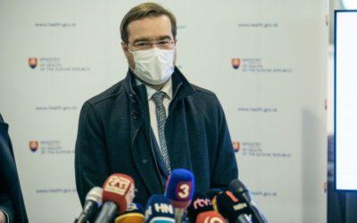 Epidemiologická situácia na Slovensku sa mierne zhoršila. Ministerstvo zdravotníctva mení očkovaciu stratégiu.