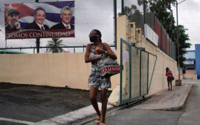 Na Kubě zřejmě končí éra bratrů Castrových. Havanští komunisté zvolí nové vedení.