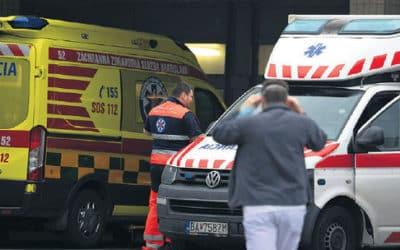 Nemocnice začnú s bežnými operáciami, štyri mesiace ich trápil kovid.