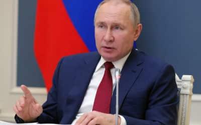 Putin podporil návrh na pozastavenie patentov na vakcíny proti covidu.