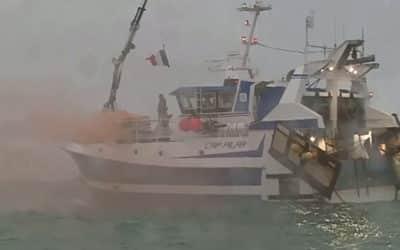 Nenecháme se zastrašit. Po Británii vyslala k Jersey své lodě i Francie.