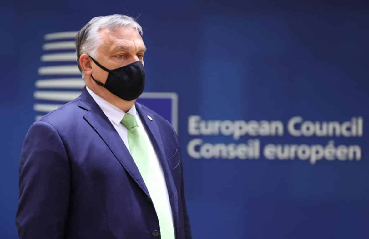 Lídři zemí EU vyzývali v emotivní debatě Orbána ke zrušení sporného zákona proti LGBT. 1