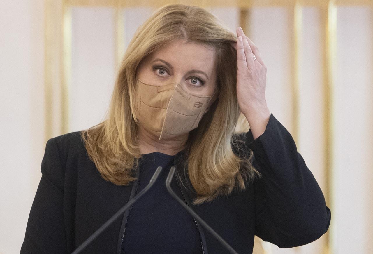 Prezidentka Čaputova si v RTVS umývala ruky – nevidí chybu v tom, že sa zúčastnila stretnutia na pôde SIS, chybu podľa nej urobili tí, ktorí nedokázali ustrážiť diskrétnosť stretnutia. 1