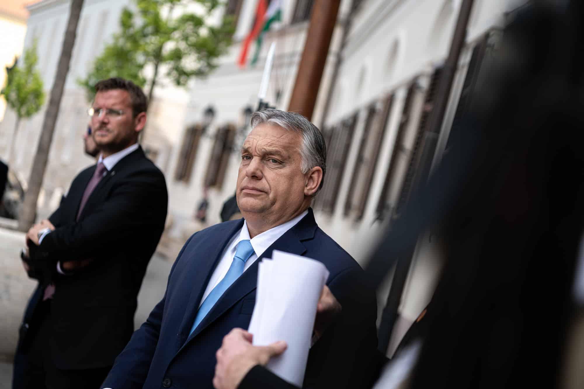 Maďarský parlament schválil zákon proti propagácii pedofílie a homosexuality medzi mladými. 1