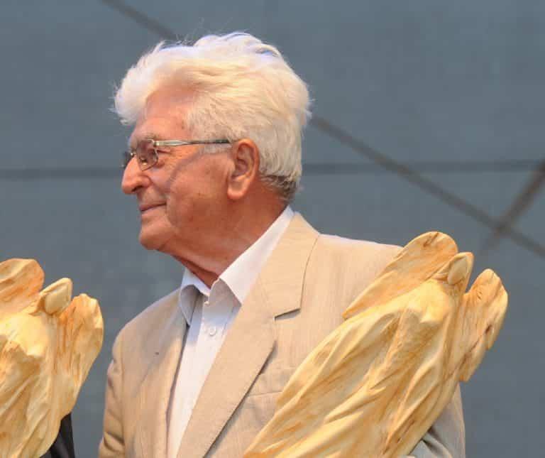 Zomrel bývalý poslanec NR SR a vodohospodár Július Binder. Zohral významnú úlohu pri výstavbe Vodného diela Gabčíkovo. 1