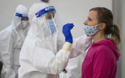 Epidemiológ: Na Slovensku sa už začala tretia epidemická vlna.